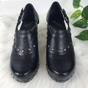 Dansko SZ 38 US 8  Studded Sandal Heels  Black EUC